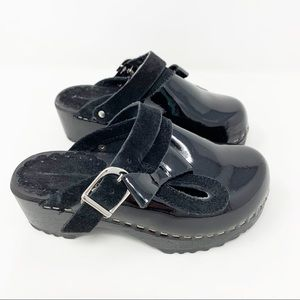Hanna Andersson Black Patent Leather Wood Clogs
